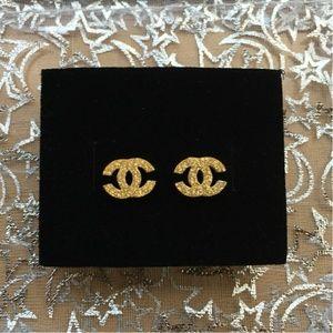 Gold glittery earrings